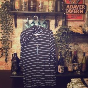 Nyc hooded shirt